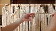 How do you get long curved knot lines with no breaks? Introduce a new piece of rope! Cutting the length is much more simple once you have…