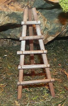 Paper for your nativity display. Ladder Display, Ladder Decor, Christmas In Italy, Christmas Crafts, Xmas, Mini Doll House, Beautiful Castles, Diy, Decoration