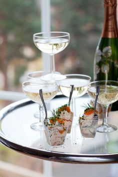 skagen-i-glas Skagen, Welcome Drink, Champagne, Appetizers, Cooking Recipes, Tasty, Dessert, Snacks, Table Decorations