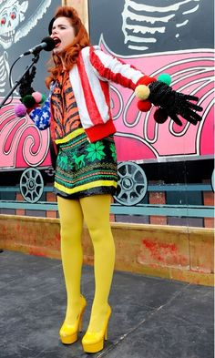7 Quirkiest Paloma Faith Outfits That We Adore . Geek Chic Outfits, Crazy Outfits, Girl Outfits, Geek Outfit, Colored Tights Outfit, Yellow Tights, Coloured Tights, Nylons, Pantyhose Outfits