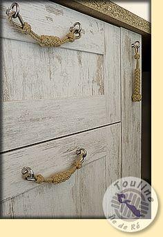 how to fix dresser drawers Furniture Fix, Upcycled Furniture, Furniture Makeover, Painted Furniture, Dresser Handles, Door Handles, Diy Cabinet Handles, Rope Crafts, Diy And Crafts