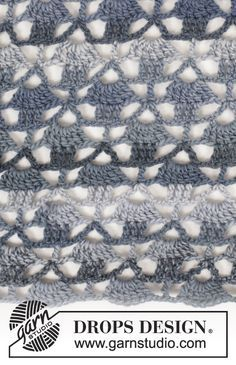 """Seven Seas - Crochet DROPS shawl with fans, worked top down in """"Big Delight"""". - Free pattern by DROPS Design"""