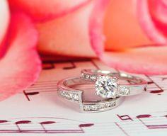 Make your wedding memorable with DPARIS  SRS30007 Rp 328.000 Silver 925 lapis emas putih 18 karat.  #enggagement #rings #jewelry #love #loveit