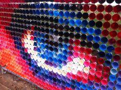 Les créations street art du duo Hyde & Seek, deux artistes australiens basés à Adélaïde, qui utilisent de simples gobelets en plastique, mais aussi