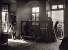Andritsaina, home interior, 1903 by Frederic Boissonnas Lawrence Durrell, Greece History, Magnified Images, Frederic, Great Photographers, Athens Greece, Tapestry Weaving, Abandoned Houses, Old Photos