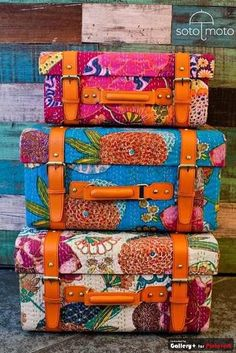 This floral luggage is to die for. And you better believe it'd be easy to pick out in a busy airport! No more hunting for that drab, black suitcase among the pools of boring luggage. #FlowerShop