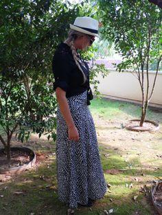 look for inspiration Friday more details on her blog, come check  carol-schultz.com.br  # MODA # BLOGGER # ME # OOTD # LOOKOFTHEDAY #skirt # CHAPÉU # AMOR