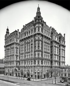 Ansonia Apartments located at 2109 Broadway between West 73rd and West 74th Streets, New York City circa 1906.