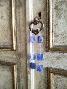 Orecchini in argento 925 rodiato e cianite di Lithodoracapri su Etsy