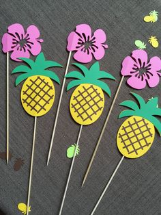 Items similar to Hawaiian centerpieces, 6 pieces - party, pineapple, Hibiscus flower. Hawaiian Birthday, Flamingo Birthday, Moana Birthday, Luau Birthday, Flamingo Party, Aloha Party, Luau Party, Hawaiian Centerpieces, Decoration Evenementielle