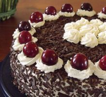 Here is my version of the really delicious dark alcohol free black forest. Sweet Recipes, Cake Recipes, Food Tags, Bakery, Cheesecake, Food And Drink, Cooking Recipes, Pudding, Sweets