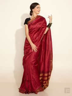 FabIndia - one of my favorite places to shop in India - they have affordable, stylish, pretty and good quality products. India Fashion, Ethnic Fashion, Indian Attire, Indian Wear, Indian Sarees, Silk Sarees, Embroidered Blouse, Saree Collection, Indian Dresses