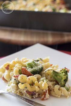Zapiekanka makaronowa z brokułami i mozzarellą