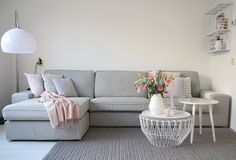 All of these should be selective and all of the same colour and tone. It completes the look effortlessly and really transforms any space. Cute Living Room, Beautiful Living Rooms, Living Room Modern, Home And Living, Living Room Designs, Living Room Decor, Sofa Kivik, Home Interior Accessories, Deco Rose