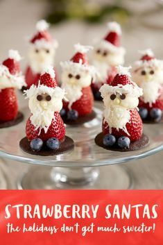Strawberry Santas from Driscoll's Berries Christmas Snacks, Christmas Appetizers, Christmas Goodies, Christmas Desserts, Holiday Treats, Christmas Baking, Holiday Recipes, Christmas Chocolate, Holiday Parties