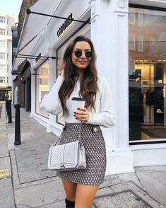 Parisian Chic Look Fashion Style Tips - Knitters Winter Mode Outfits, Paris Outfits, Winter Fashion Outfits, Look Fashion, Skirt Fashion, Fall Outfits, Autumn Fashion, Womens Fashion, Fashion Night