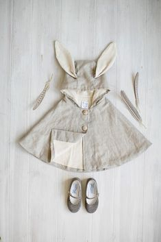 Kids Clothing Tortoise and the Hare Clothing for babies, toddlers, and kids. Linen Rabbit Cape Kids ClothingSource : Tortoise and the Hare Clothing for babies, toddlers, and kids. Linen Rabbit Cape by jasminsorge Baby Outfits, Outfits Niños, Kids Outfits Girls, Toddler Outfits, Trendy Outfits, Baby Dresses, Stylish Dresses, Stylish Baby, Stylish Kids
