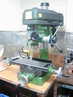 MILLING MACHINE Plumbing Tools, Lathe Tools, Old Tools, Metal Mill, Engineering Tools, Welding Shop, Machinist Tools, Industrial Machinery, Bird House Plans