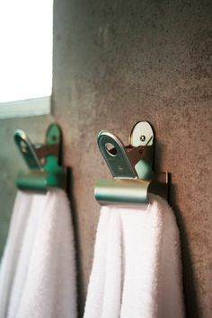 bathroom towel ideas is definitely important for your home. Whether you pick the diy home decor for apartments or diy bathroom remodel ideas, you will create the best bathroom ideas remodel for your own life. Bathroom Plants, Bathroom Wall Decor, Bathroom Towels, Kitchen Towels, Bathroom Ideas, Diy Bathroom Remodel, Bathroom Remodeling, Remodeling Ideas, Diy Sofa