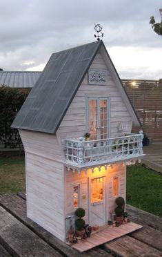 A shabby small cottage ...