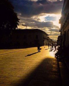 @daelhoyosgarces nos comparte su foto del 20 julio #BuenaVibra  #Popayán #Popayan #Cauca #Colombia #Follow #Sun #Sunset #Like #Color #PopayánCO