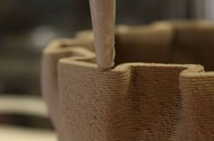 WASP printer creates hyper-local affordable housing out of mud (Video) : TreeHugger Mud Image, Mud Hut, Low Cost Housing, Cool Robots, 3d Printing Technology, Natural Homes, Green Architecture, 3d Prints, Affordable Housing