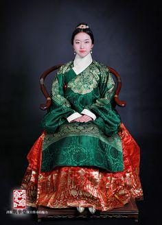 明服妩媚——影视中的明代服饰_荷舞东风_新浪轻博客_Qing