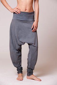 steel light blue stone wash harem pants von DuendeBasic auf Etsy, $85.00