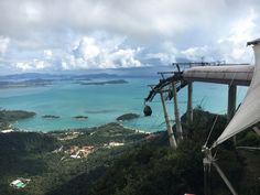 Cable Car and a great view in Langkawi, Malaysia – Aperture & Wanderlust The Beautiful Country, Beautiful Places, Holiday Destinations, Travel Destinations, Singapore Things To Do, Cliparts Free, Malaysia Tour, Sky Bridge, Paradise On Earth