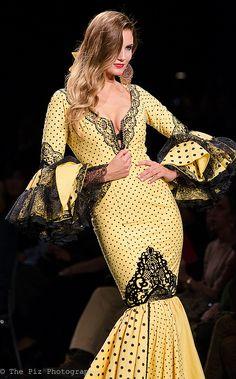 Spanish style – Mediterranean Home Decor Special Dresses, Cute Dresses, Flamenco Costume, Dance Costumes, Ballroom Dance Dresses, Flamenco Dresses, Spanish Style, Mellow Yellow, Feminine Style
