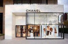 Discover ideas about boutique design Retail Architecture, Plans Architecture, Shop Front Design, Store Design, Facade Design, Exterior Design, Retail Facade, Chanel Store, Retail Interior