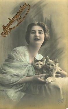 ahhhh.. how cute! ~ vintage postcard
