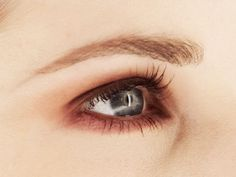 5 #timeless tips for beautiful #brows from WD's past 75 years.
