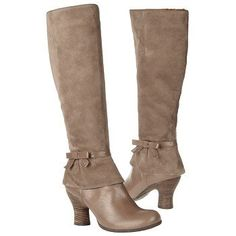 Naya Women's Boot in Black- I want them BAD!