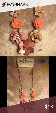 Erica Lyons necklace NEW Erica Lyons pink flowers necklace gold Erica Lyons Jewelry Necklaces