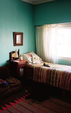 I love walls this color
