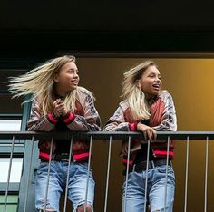 View tho Lena looks better than me Sister Pictures, Friend Pictures, Lisa Or Lena, Cute Twins, Chill Outfits, Famous Girls, Best Friend Goals, Celebs, Celebrities