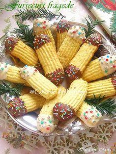 Fursecuri fragede ~ Culorile din farfurie My Recipes, Dessert Recipes, Cooking Recipes, Favorite Recipes, Desserts, Macarons, Christmas Deserts, Christmas Recipes, Muffins