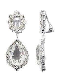 Wie das funkelt! Unsere hochwertigen Hängerchen mit den herrlich glänzenden Kristallen sind eine schmückende Besonderheit für die Ohren einer Frau.