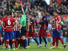 Filipe Luis fue suspendido tres partidos por el planchazo que le bajó en la rodilla a Messi. Atlético de Madrid recurrirá la sanción. Febrero 04, 2016.