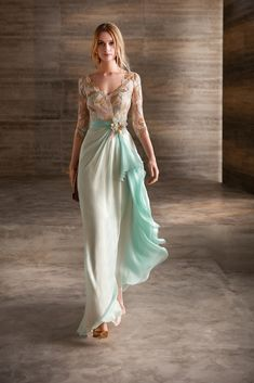 Gorgeous Embroidered Asymmetric Chiffon Backless Sheath Evening Maxi Dress / Evening Gown with V-Neck Cut, Half Long Sleeves and Open Back. Dress by Manu Garcia Costura Lovely Dresses, Beautiful Gowns, Elegant Dresses, Bridesmaid Dresses, Prom Dresses, Formal Dresses, Wedding Dresses, Outfit Trends, Groom Dress