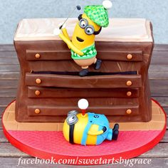 """Here I tried to make the Golf Scene of the movie """"Despicable me"""". It's all chocolate cake.. #golf #cakes"""