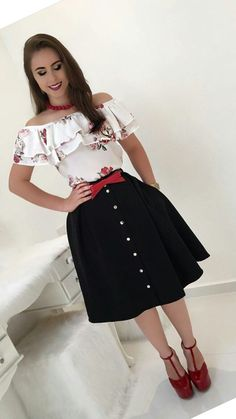 Swans Style is the top online fashion store for women. Shop sexy club dresses, jeans, shoes, bodysuits, skirts and more. Trend Fashion, Cute Fashion, Modest Fashion, Look Fashion, Hijab Fashion, Fashion Outfits, Womens Fashion, Modest Outfits, Skirt Outfits