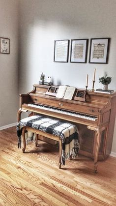 Among so many musical instruments, the piano is one of the favorites. From little kids until grandma love to playing the piano. Give your home a warm v… Piano Living Rooms, Home Living Room, Living Room Decor, Piano Room Decor, Cozy House, Home Decor Inspiration, Decor Ideas, Decorating Your Home, Piano Decorating