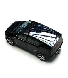 The Sion is the first mass-produced electric car that can charge its battery using solar power. All for including the battery. Big Challenge, Homestead Survival, Car Covers, Electric Car, Solar Power, First World, Climate Change, Automobile, Challenges