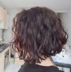 My texture when it's this cold and dry : ( Short Curly Haircuts, Short Wavy Hair, Curly Hair Cuts, Curly Hair Styles, Bob Hair, Hair Dos, Hair Inspo, Hair Inspiration, Hair Evolution