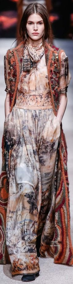 Alberta Ferretti collection Fall 2015 Ready-to-Wear BOHO FASHION. For more follow www.pinterest.com/ninayay and stay positively #inspired