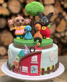 Bunny Birthday Cake, 1st Birthday Cakes, 1st Birthday Parties, Bing Cake, Sugar Paste, Cake Toppers, Fondant, Cake Decorating, Baking