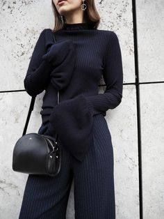 Dark blue obsession: Pinstripes, bell sleeves by H&M trend and APC Half Moon bag.