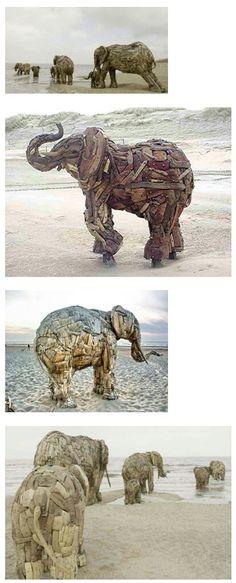 Andries Botha heeft deze levensgrote olifanten gemaakt van drijfhout. Ik heb deze beelden gezien aan de kust van België ik vond ze erg mooi. (Pinterest)